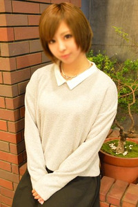 りりな(18)