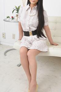 真子(33)