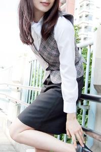 芹夏(29)