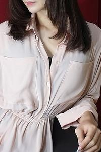 牧島 ゆう(32)