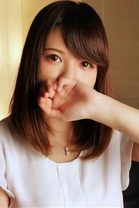堂島アキ(22)
