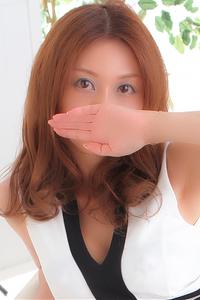 石田マナ(30)