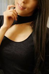 宮田ユリ(29)