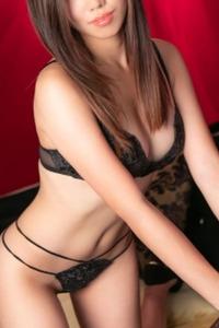 平山里緒菜(22)