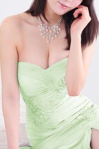 彩月 莉奈(25)
