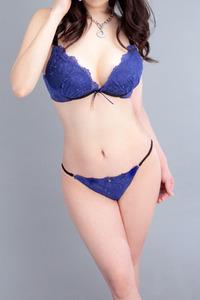 高岡真奈(28)