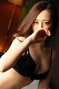 西尾 由里佳(21)