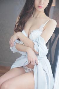 西園寺 梓(26)