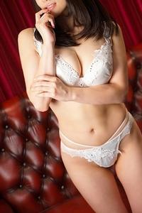 真木野 怜(28)