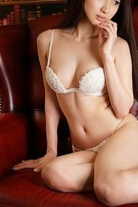 向井 真里愛(21)