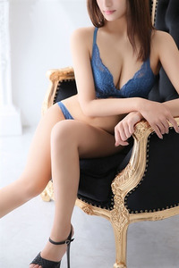 槇村 葵(23)