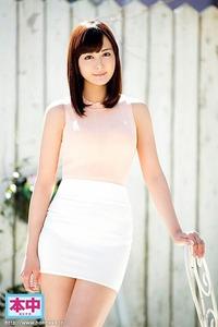 霧島 かほ(25)