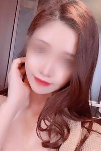 戸宮 杏奈(22)
