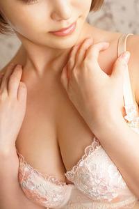辻 麗子(24)