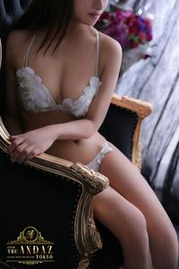 小春 まな(23)